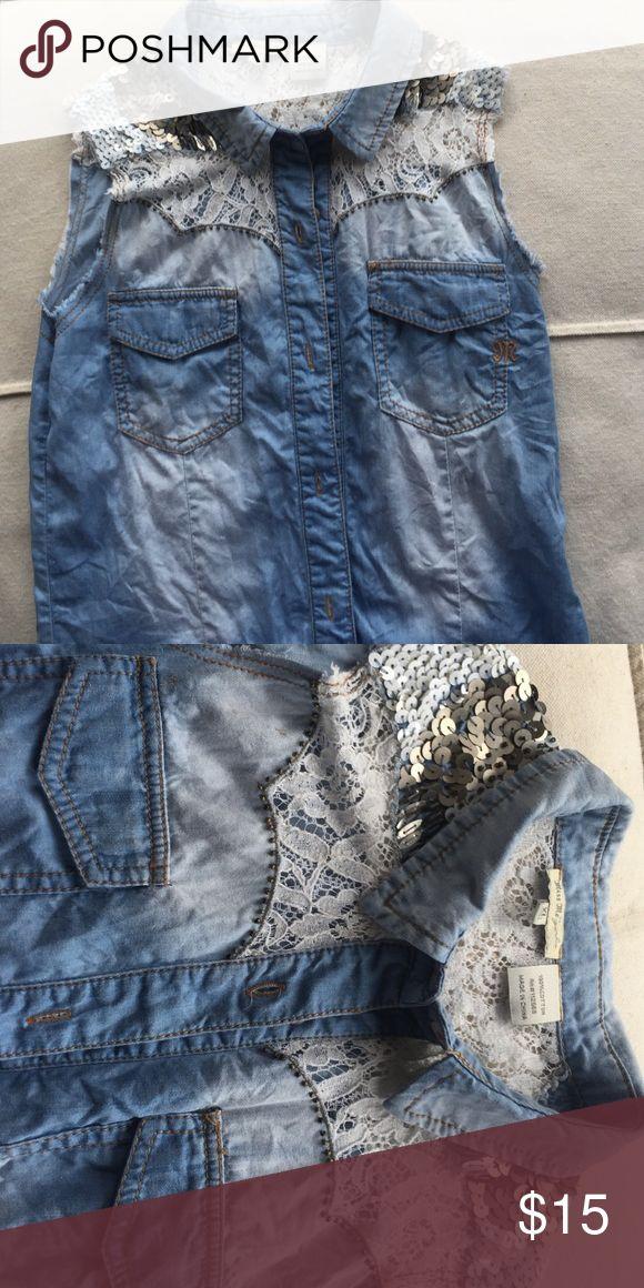 Miss me sleeveless denim shirt Miss me sleeveless denim shirt girls XL (14) Miss Me Shirts & Tops Button Down Shirts