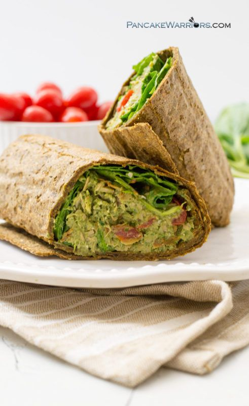 This simple pesto avocado tuna wrap is the perfect gluten free paleo friendly meals! Perfect for lunch and dinner | www.pancakewarriors.com