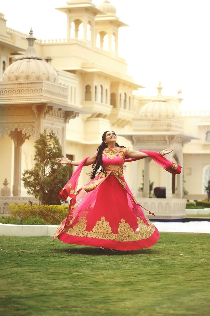 Twirling Bride at a royal palace!
