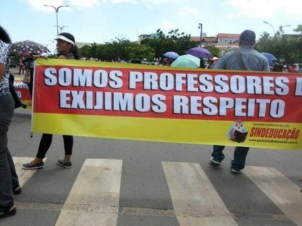 Espero que não sejam professores de português. | 22 erros de português tão elaborados que era mais fácil ter escrito certo