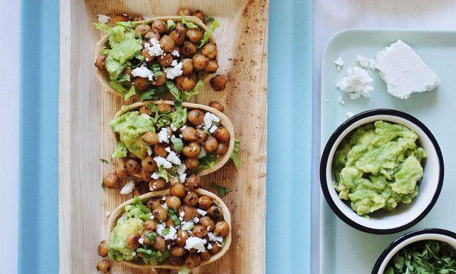 Med nye Stand 'N' Stuff Mini Tortillas kan du lage meksikansk tapas. Her er tre fristende oppskrifter med kjøtt, grønnsaker og fisk.