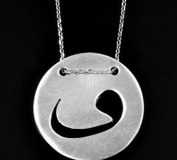 Madalyon Gümüş Vav Kolye