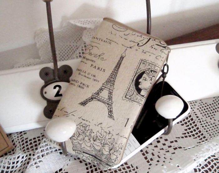 Pouzdro+na+mobil+s+láskou+k+Paříži+...+Pro+milovnice+starobylého+stylu+a+Paříže+...+Pouzdro+na+mobil+také+na+klíče,+pár+drobných+do+kapsy+a+další+nezbytnosti+je+ušité+z+lněné+látky+s+motivy+Paříže+a+písma.+Pevně+polstrované.+Velikost+je+16+x+8+cm+Betty+HOME+++++++++++++++++++++++....+originály+šité+s+láskou+...