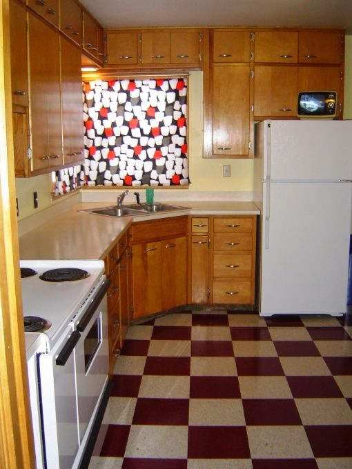 1940 Kitchen Design | 1940u0027s Kitchen, Hereu0027s My Very Old Kitchen! Floors  Are Red And Cream ... | Kitchen | Pinterest | Kitchen Floors And Kitchens Part 37