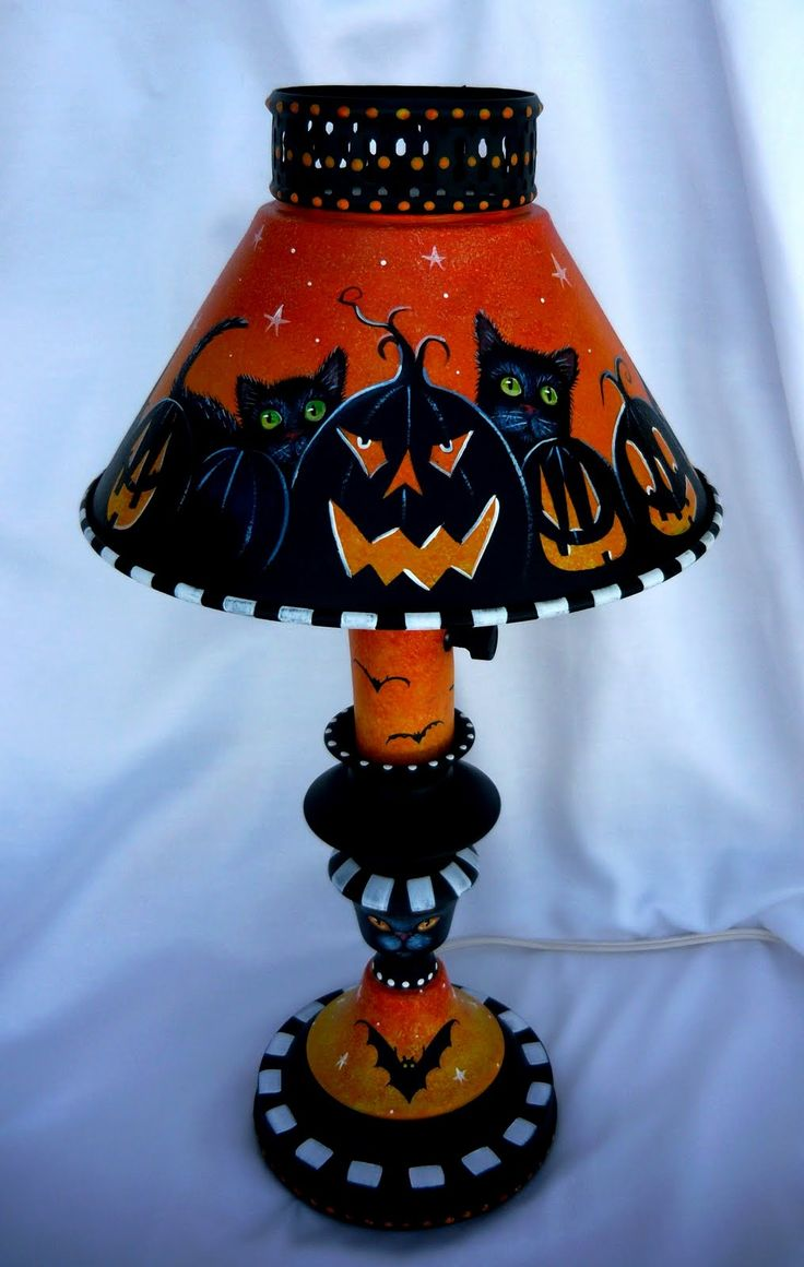 this may be one of my favorite hand painted halloween lamps so fari just love giving new life to these vintage metal lamps i have pain - Metal Halloween Decorations
