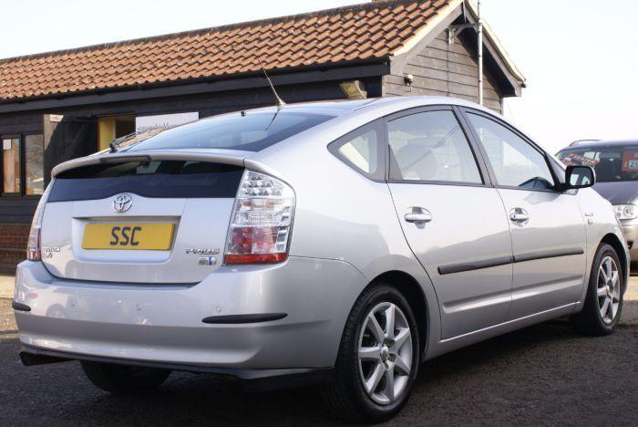 Toyota Prius 1.5 PRIUS T4 VVT-I AUTO Hatchback Hybrid Silver Metallic for sale at Simon Shield Cars http://www.simonshieldcars.co.uk/used/toyota/prius/prius-t4-vvt-i-auto/ipswich/suffolk/17756975
