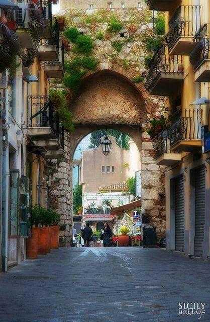Sicilia                                        https://m.facebook.com/Italy.Architecture