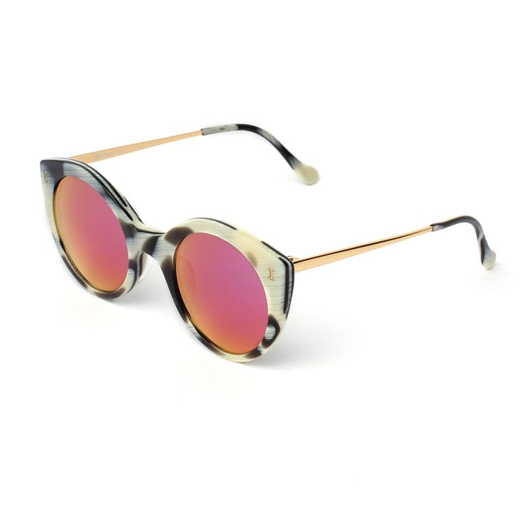 Palm Beach Horn with Pink Mirrored Lenses | illesteva