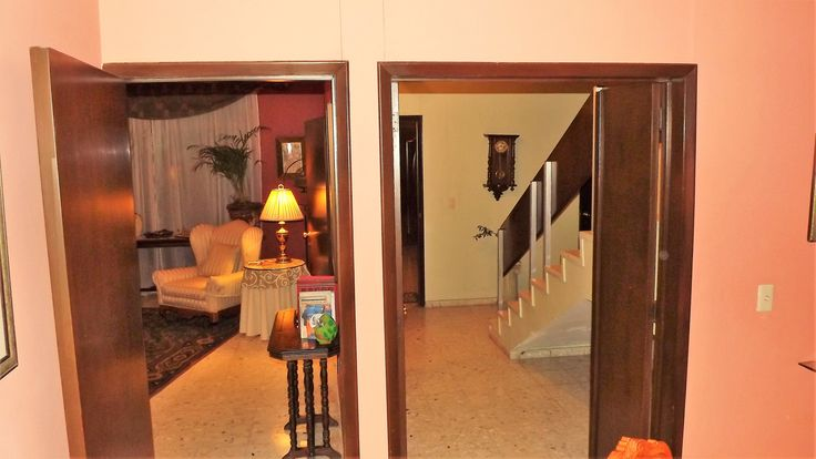 The perfect hotel-alternative near Expo-Guadalajara! Why rent a roomS, when you can rent them a 5 bedroom house??