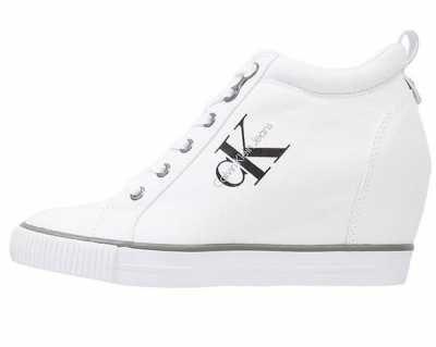 Sublimes Bambas Para Mujer El calzado desenfadado más popular se centra en las zapatillas de mujer; todo un referente a seguir en tu día a día, que bien p