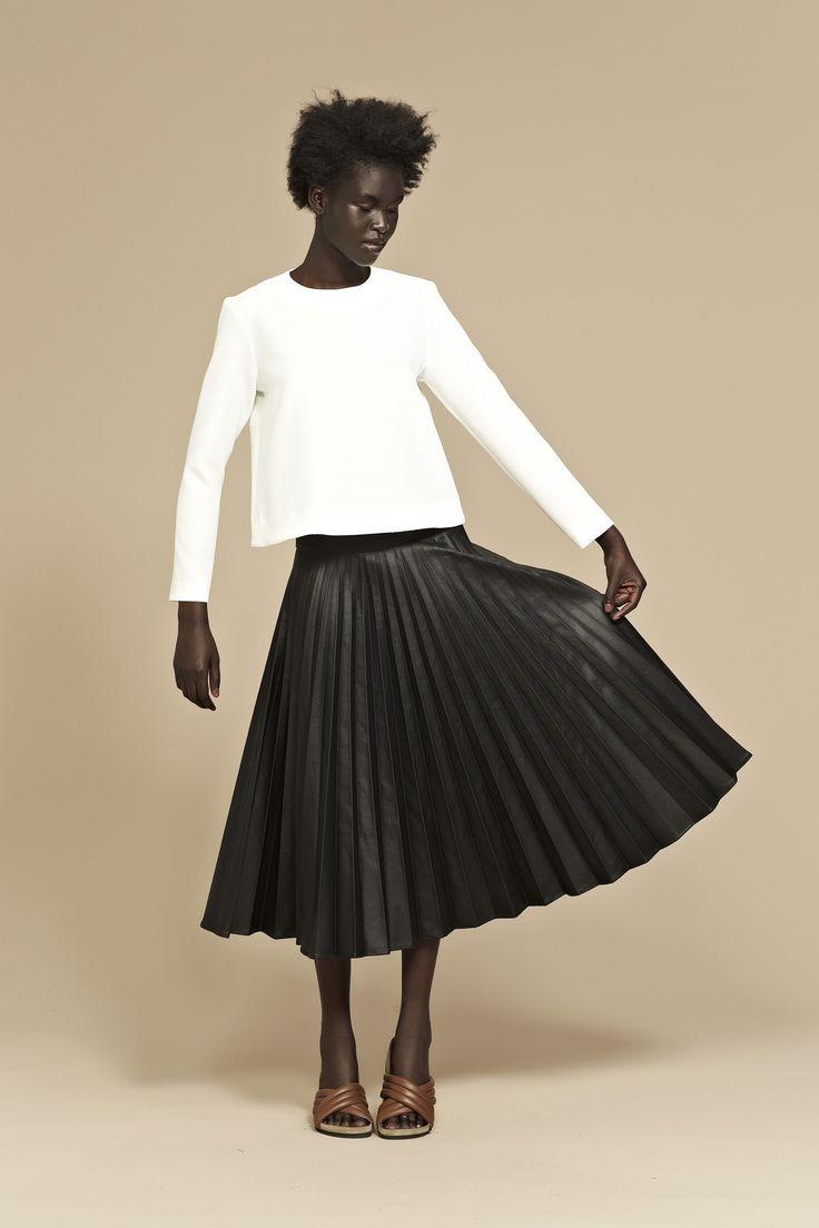 Crow Pleated Skirt