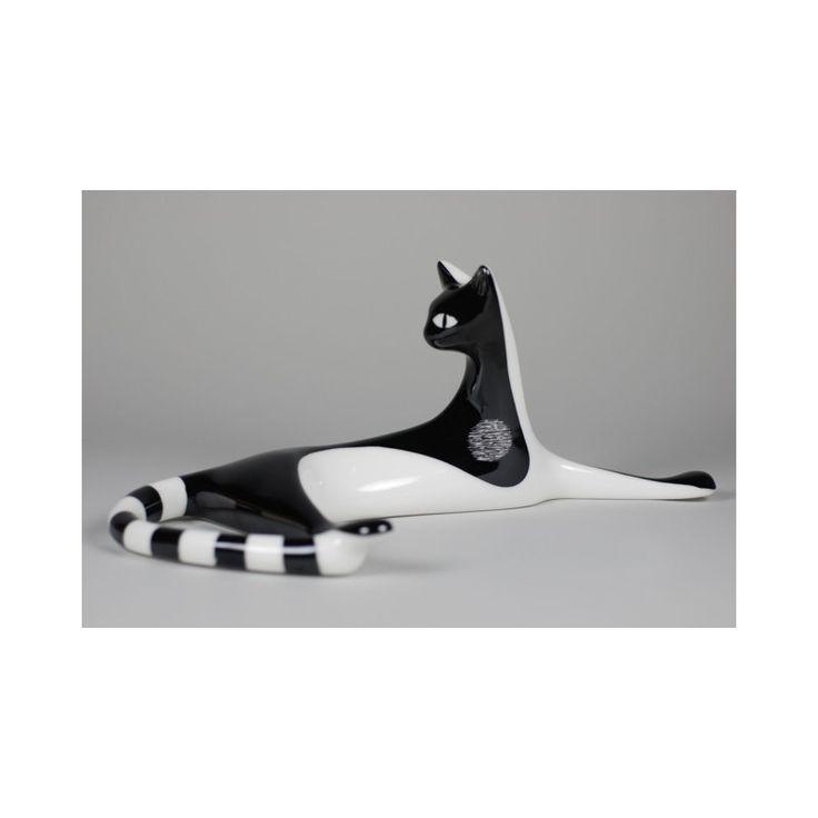 Porcelana AS Ćmielów. Leżąca kotka