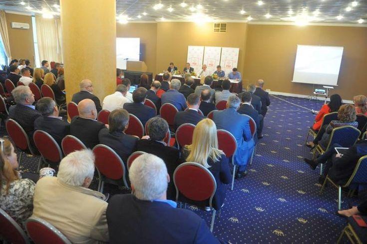 FOTO - Vezi aici ce spune liderul Grupului PSD din Camera Deputatilor – parlamentarul Marcel Ciolacu despre intalnirea social-democrata de la Sinaia
