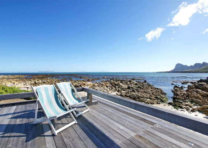 Beach Villa | Pringle Bay - laid back luxury right on the beach