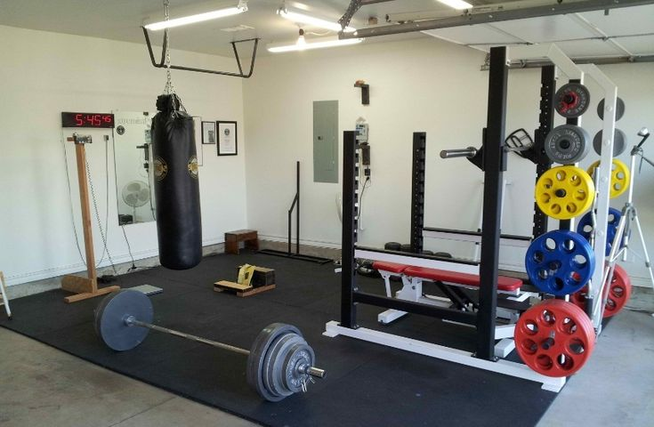Stock heavy duty powerlifting gear for the home gym. Here are the essential fourteen items that you need to get your home powerlifting gym functioning - http://garagegymbuilder.com/powerlifting-gym/
