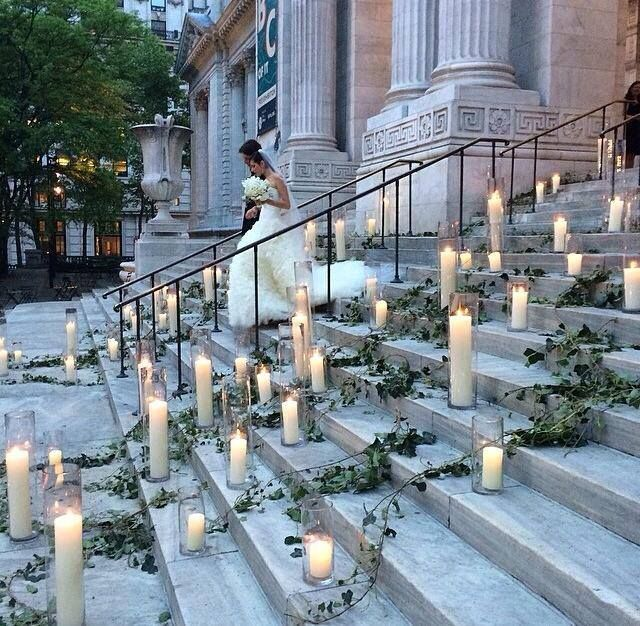 How amazing is this styling by Ed Libby & Co. at NYPL The New York Public Library #wedding #styling
