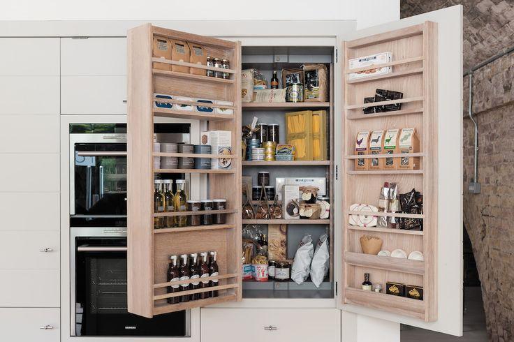 De voorraadkasten van de Neptune keukens zijn praktisch en doordacht. De…
