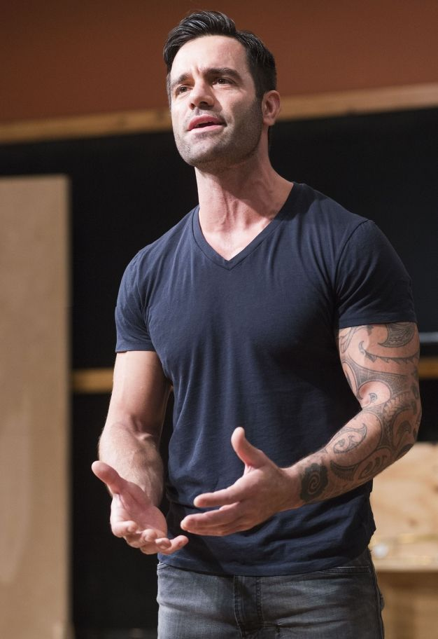 RAMIN♪POB---I seriously hope the musical makes it to the US someday...for more reasons than one of course ;)