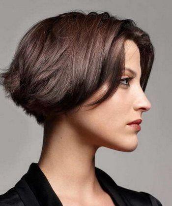 Градуированное каре на короткие волосы