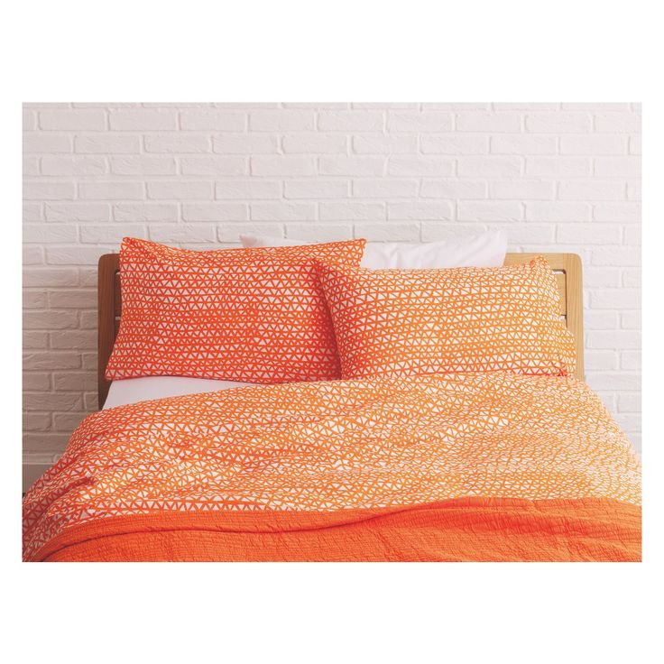 NOAH Orange triangle print kingsize duvet cover set   Buy now at Habitat UK