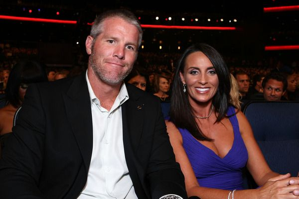 Brett Favre selects wife Deanna as his Hall of Fame presenter | Yardbarker.com  50K fine ride off into retirement sunset AGAIN and now #HOF? Funny some stories you want to make go away or hope they die down on their own.