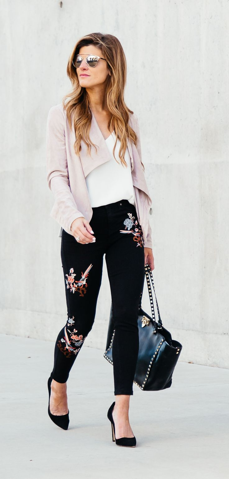 The embroidery trend, topshop embroidered jeans outfit // floral pant outfit // pink jacket outfit ideas