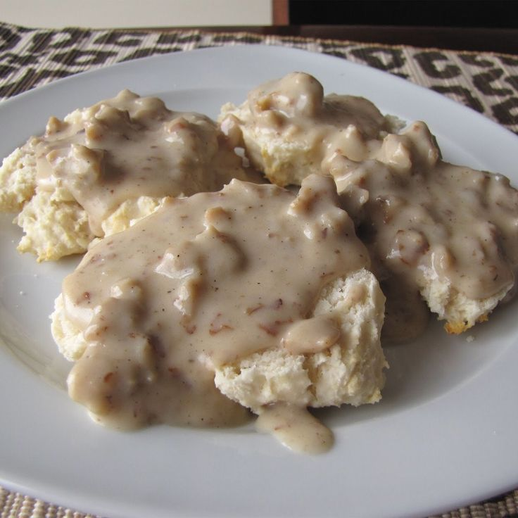Freeze Dried Buttermilk Biscuits and Savory Pork Sausage Gravy