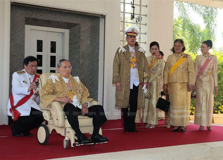 BANGKOK - De Thaise prinses Chulabhorn is woensdag begonnen aan haar bezoeken aan het oosten van Thailand. Het National News Bureau of Thailand (NNNT) meldt dat de dochter van koning Bhumibol en koningin Sirikit tussen 13 en 19 augustus naar de steden Trat, Chantaburi, Rayong en Chonburi gaat. (Lees verder…)