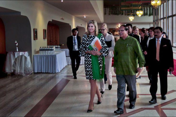 La plus studieuse   Quinze jours après être sortie de l'hôpital, au retour de son voyage en Chine, la reine Maxima des Pays-Bas a rebouclé ses valises. L'épouse du roi Willem-Alexander a recoiffé sa casquette d'avocate spéciale du secrétaire général des Nations unies Ban Ki-Moon pour la finance inclusive pour le développement et s'est envolée pour la Turquie, avant de rejoindre le Bengladesh où elle se trouvait du 16 au 18 novembre.