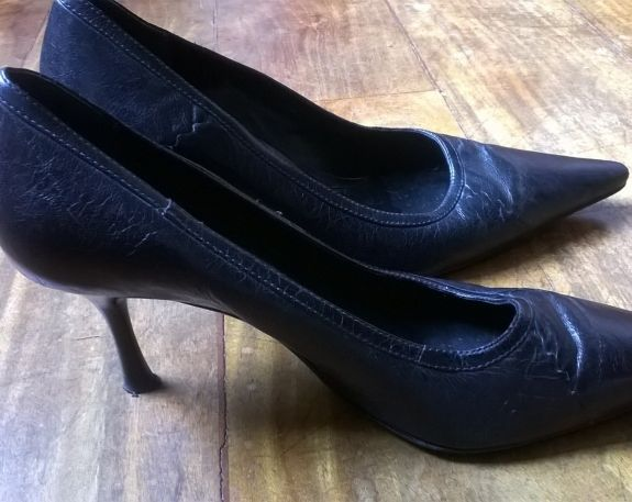 Sapato Social Scarpin Luz da Lua R$120.00 Tam 37 https://www.lojacafebrecho.com.br/produto/sapato-social-scarpin-luz-da-lua