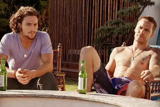 Pin for Later: The Hottest Shirtless Guys in Movies Taylor Kitsch, Savages Whether Taylor Kitsch is sporting a buzzcut or long locks, one thing stays the same: that six-pack.