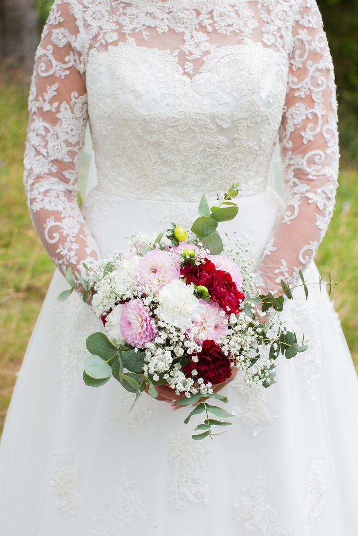(1) FINN – Skreddersydd brudekjole med blonder