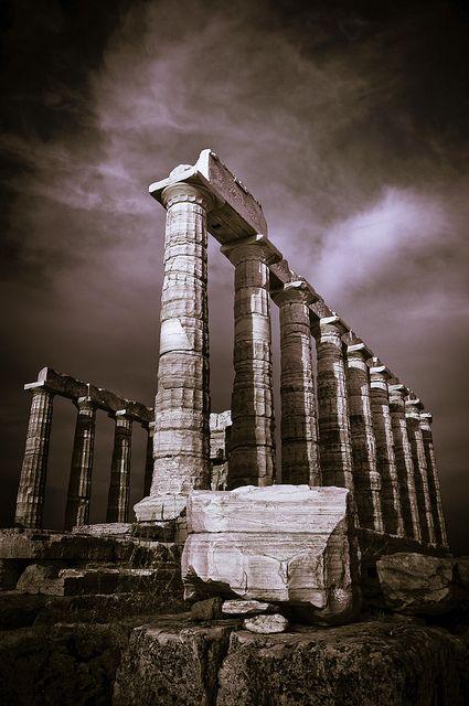 Temple of Posseidon, Greece - by Pinox67