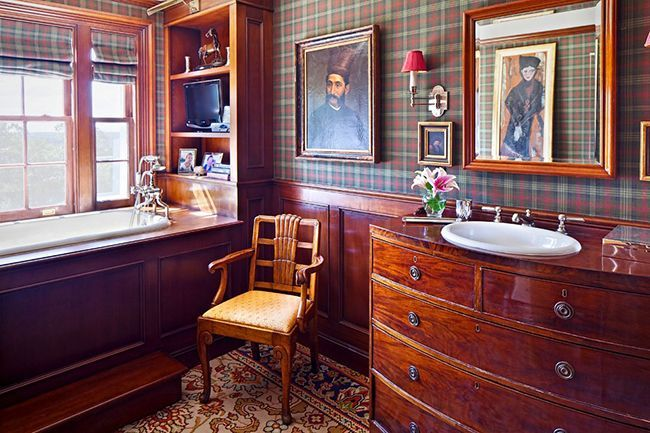 Bathroom cabinets how to combine practicality and aesthetics photo 22