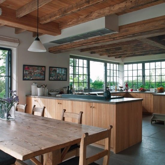 Light Floods Into This Classic Kitchen With Oak Beams Wooden Furniture And  Cabinetry Homes.