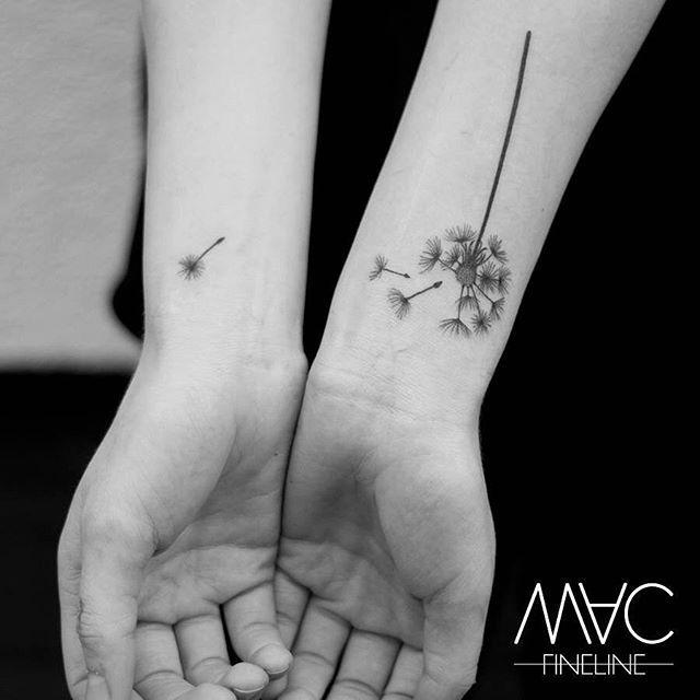 die besten 25 freundschaftstattoo ideen auf pinterest bruder schwester tattoos twins tattoo. Black Bedroom Furniture Sets. Home Design Ideas