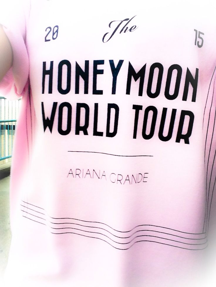 Ariana Grande - Honeymoon Tour Merchandise - Pink Tee