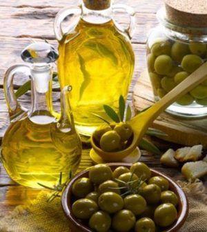 olio d'oliva per la cura dei capelli