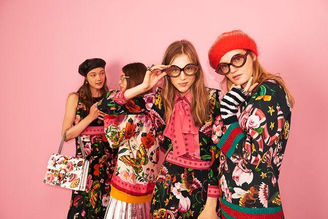 「グッチ(Gucci)」が、オンラインで販売する「グッチ ガーデン」コレクションを発表した。ウィメンズウエアから小物まで、gucci.comのみで取り扱う初のオンライン限定コレクションとなり、発売は7月5日。これに先駆けて、ロンドンで発表された2017年春夏クルーズコレクションの会場でジョージア・メイ・ジャガー(Georgia May Jagger)が「グッチ ガーデン」コレクションの新作ドレスを着用し、注目を浴びた。