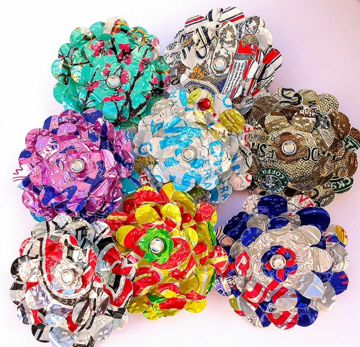 263 best images about aluminum can art on pinterest for Recycled flower art