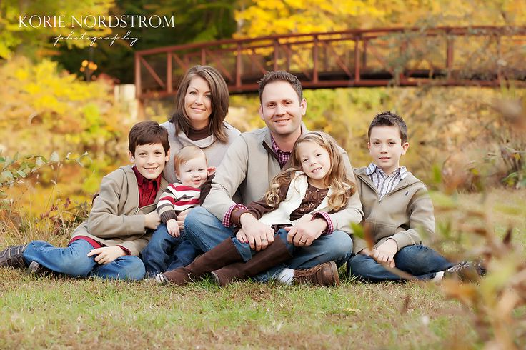 Photo Session Poses for larger families