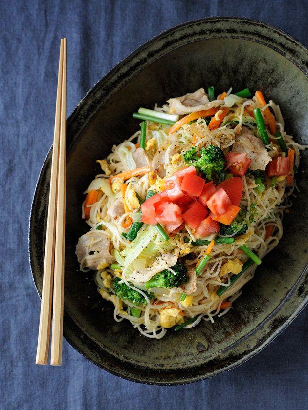 ヘルシーでスパイスをたっぷり使った料理が得意だという、日本在住歴2年のスリランカ人が教えてくれた、そうめんのアレンジメニュー。マイルドな味わいで食べ飽きない!>「外国人に聞きました! そうめんのアレンジ・レシピを教えて!」特集TOPに戻る|『ELLE a table』はおしゃれで簡単なレシピが満載!