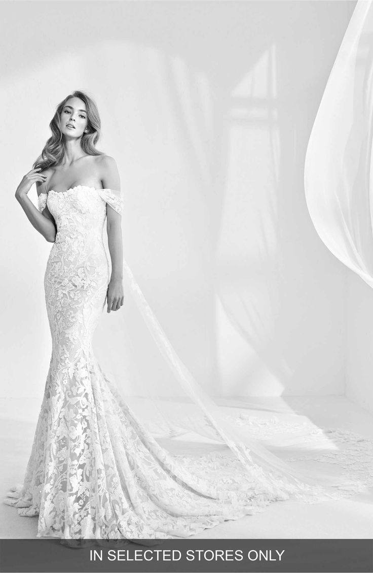 24 best Wedding dresses images on Pinterest | Wedding frocks ...