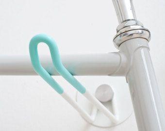 Bike Hooks / WHITE CELESTE GUM