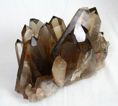 Değerli Taşlar: Kuvars Grubu Dumanlı Kuvars Kristali