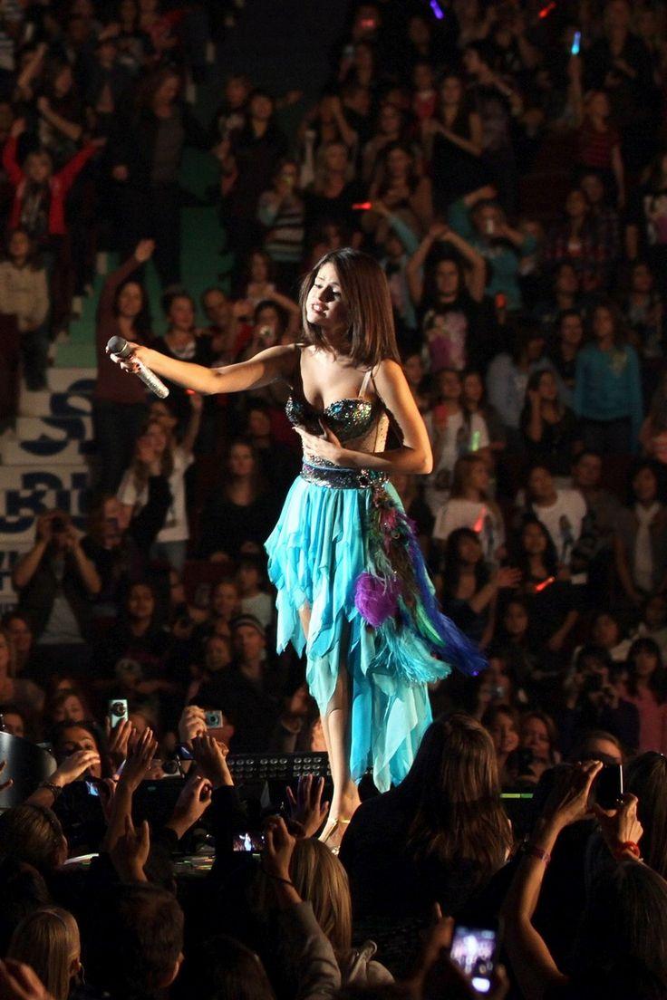 selena gomez concerts  | Selena Gomez – Vancouver Concert | Disney Channel Fans