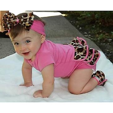 Lollipop Leopard Bodysuit Gift Set from Baby Bella Maya