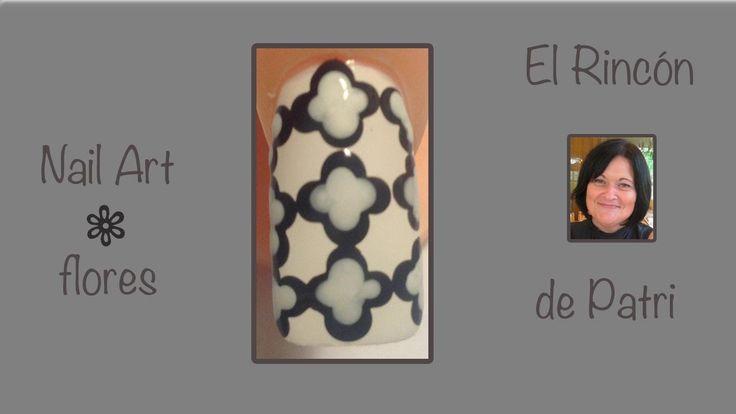 Diseño de uñas flores blancas y negras- El rincón de Patri- Black and white…
