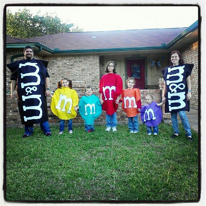 40 of the Best Family Costumes Ideas for Halloween — JaMonkey - Atlanta Mom Blogger | Parenting & Lifestyle