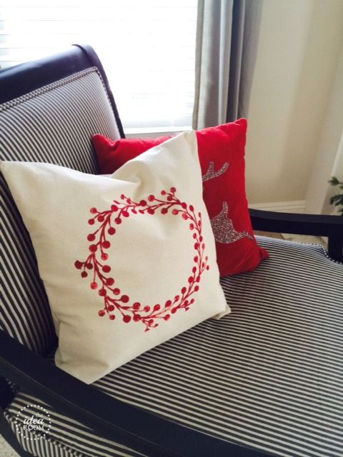 how-to-make- christmas pillow-cover   theidearoom.net